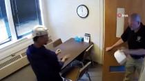 WISCONSIN - Elleri Kelepçeli Genç, Polis Merkezinin Penceresinden Atlayıp Kaçtı