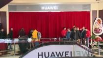 İSTINYE PARK - Huawei, Türkiye'deki İlk Deneyim Mağazasını İzmir'de Açtı