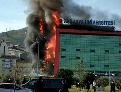 Avrasya Üniversitesi'nde yangın söndürüldü