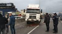 KİRAZLIK MAHALLESİ - Çekici Bariyere Çarptı Açıklaması 1 Yaralı