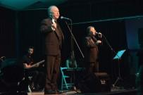 VEYSEL DİKER - Aliağa'da Komedi Festivali, 'Şifa Niyetine' Oyunuyla Final Yaptı