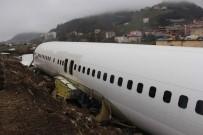 İBRAHIM SAĞıROĞLU - Pistten Çıkması Ve Taşınması Olay Olan Uçak Şimdi Bu Halde