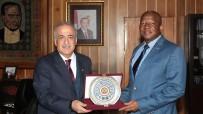 İSAAC - Güney Afrika Ankara Büyükelçisi Malefane, Rektör Çomaklı'yı Ziyaret Etti