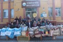ESKIGEDIZ - Eskigediz Belediyesi Bez Çanta Dağıtımı