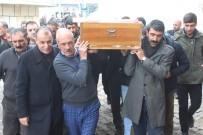 Donarak Ölen Göçmenin Cenazesine İlçe Halkı Sahip Çıktı