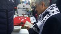 HAKAN TAŞIYAN - Müslüm Gürses Vefatının 6. Yılında Mezarı Başında Anıldı