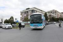 MEVLÜT UYSAL - AK Parti Büyükçekmece Belediye Başkanı Mevlüt Uysal, Seçim Otobüsüyle Halkı Selamladı