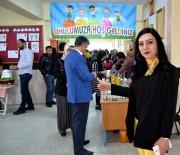 Öğretmenler Öğrencileri İçin Kermes Düzenledi
