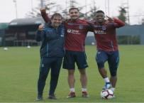 LEEDS UNITED - Trabzonspor'un Yeni Transferleri Yüzleri Güldürdü