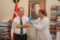 HER ŞEYİN BAŞI SAĞLIK - Edirne Belediye Başkanı Gürkan Farkındalık İçin Aşı Oldu