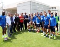 TUGAY KERIMOĞLU - Antalyaspor Antrenmanına Sürpriz Konuklar