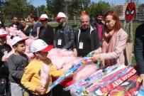SERDAR KARTAL - Diyarbakır'da Uçurtma Şenliğine 3 Bin Çocuk Katıldı