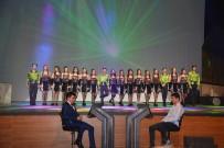Millionaire Müzikali ayakta alkışlandı