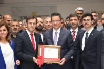 Halfeti Belediye Başkanı Şeref Albayrak Mazbatasını Aldı