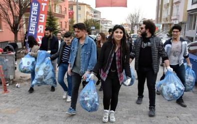 Gönüllü Öğrencilerin 'Temiz Çevre' Duyarlılığı