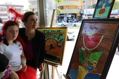 Özel Çocukların 'Özel Eller Sergisi' Büyük Beğeni Topladı