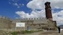 RÜSTEM PAŞA - Erzurum'da Tarihe Saygısızlık