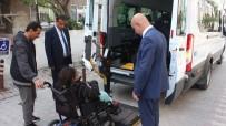 AHMET ÇAKAR - (Özel) Engelli Eslem Sahilde Doyasıya Gezdi