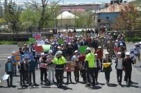 Eleşkirt'te Öğrenciler Slogan Atarak Yürüyüş Yaptı