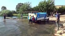MAHMUT YıLDıRıM - Hatay'da Kuruyan Derelerdeki Balıklar Kurtarıldı