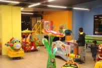 İŞİN ASLI - Çocukları Rahat Etsin Diye Açtığı Oyun Salonu Türkiye'ye Yayıldı