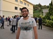 DEVLET MEMURLUĞU - (Özel) Öğrenciler İstedi Yeni Rektör Hemen Düzenleme Yaptı