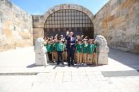 MUSTAFA UYGUN - Başkan Örki Öğrencilerle Müzeleri Gezdi