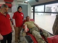 'Kan Ver Hayat Kurtar' Kampanyasına Mehmetçiklerden Destek