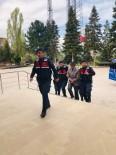 Kız Çocuğunu Bıçaklayarak Yol Kenarına Atan Zanlı Tutuklandı