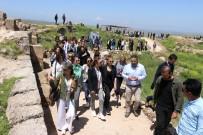 YASEMİN HADİVENT - Zerzevan Kalesi'ne Ünlü Akını