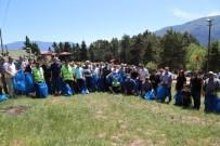 UĞUR BAYRAKTUTAN - Bu Kez Boğa Güreşi İzlemek İçin Değil Çöp Toplamak İçin Çıktılar