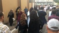 SAĞNAK YAĞMUR - Aydın'da Islak Mezuniyet