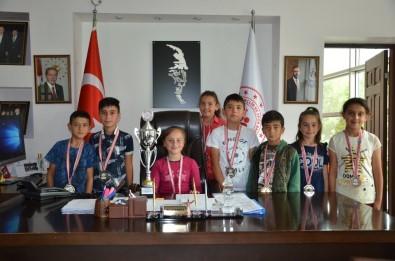 Kızılören'de Şampiyonlar Yetişiyor