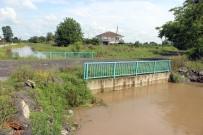 MUSTAFA UYGUN - Sağanak Yağış, Çaltı Mahallesi'ni Vurdu