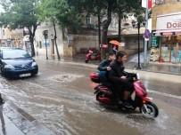 Seli Görüntüleyen Vatandaş Açıklaması 'Araba Gırtlağına Kadar Su Doldu'