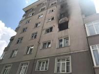 KOZYATAĞI - Kadıköy'de Yangın Çıkan Binada Can Pazarı