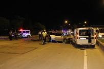 ALI ÇAĞLAR - Otomobil, Sivil Polis Aracına Çarptı Açıklaması 2 Polis Yaralandı