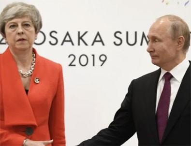 May'den Putin'le görüşme öncesi sert mesaj!