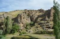 Erdemli Vadisi'ndeki Kiliseler, Görenleri Kendine Hayran Bırakıyor
