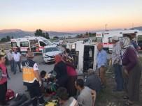 Tarım İşçilerini Taşıyan Minibüs Otomobille Çarpıştı Açıklaması 11 Yaralı