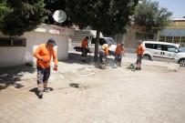 İŞİN ASLI - Esnaf Sahredeyken Çalışma Alanı Temizlendi