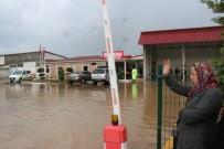 İTFAİYE MERDİVENİ - Kdz. Ereğli'de 10'Larca İş Yeri, Ev Ve Araç Sular Altında Kaldı