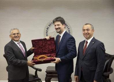 Macaristan'ın Ankara Büyükelçisi Victor Matis, Başkan Büyükkılıç'ı Ziyaret Etti