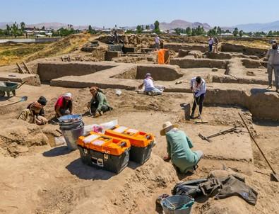 Urartuların en büyük kenti eski ihtişamına kavuşturuluyor