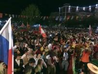 FATİH ERKOÇ - Büyükçekmece'de 71 Ülkeden Gelen Katılımcılarla Renkli Kortej Yürüyüşü