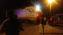 Tren Araca Çarptı Açıklaması 1 Çocuk Yaralı