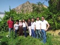 MÜNİR KARAOĞLU - Antalya Heyetinden Çukurca'ya Ziyaret