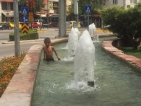 ELEKTRİK AKIMI - Eskişehir'de Sıcaktan Bunalan Çocukların Suda Tehlikeli Oyunu