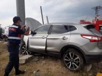 Otomobille Cip Çarpıştı Açıklaması 8 Yaralı