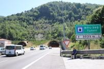 BAYRAM TATİLİ - Bolu Dağı Tüneli'inden Tatilde 500 Bine Yakın Araç Geçti